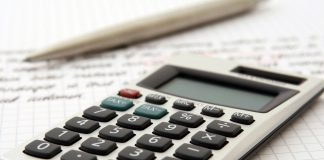 calculator to represent calculating tax on shares