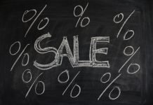 sale sign to represent value investing stocks being seen as cheap